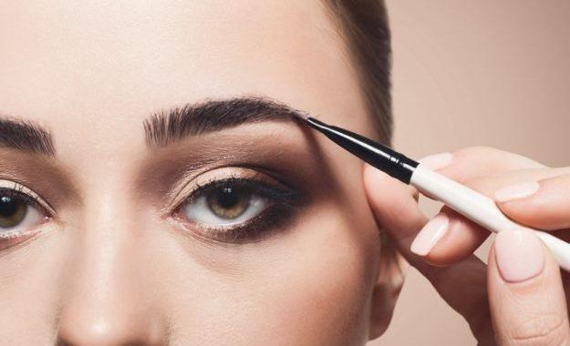 藉由眉妝同時提升美人度與時髦度的方法